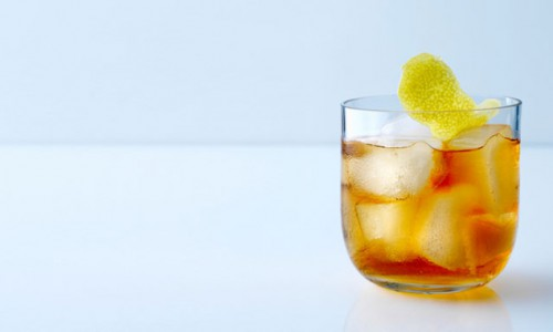 whiskey-sour-blue-background